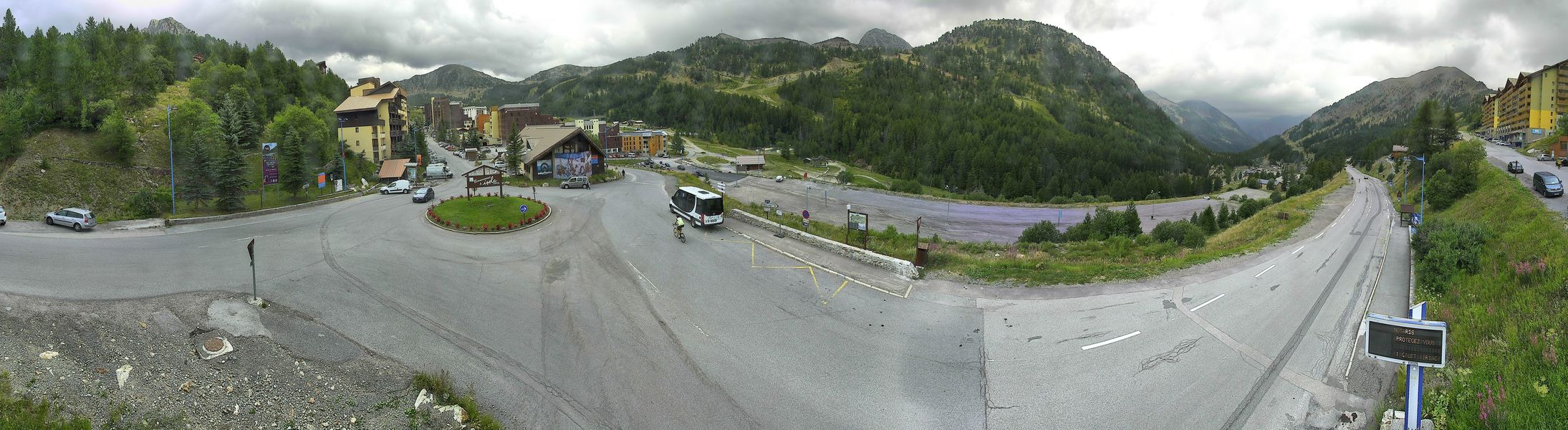 Webcam panoramique du centre station d'Isola 2000