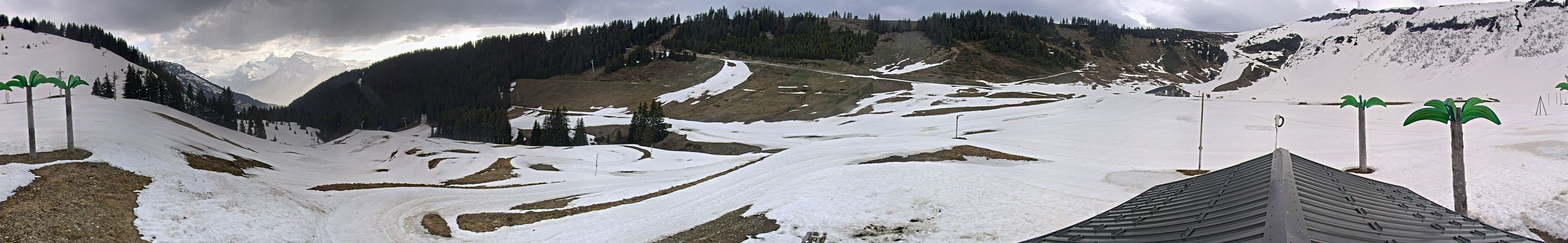 Les Carroz webcam - Oasis Cool Zone panorama