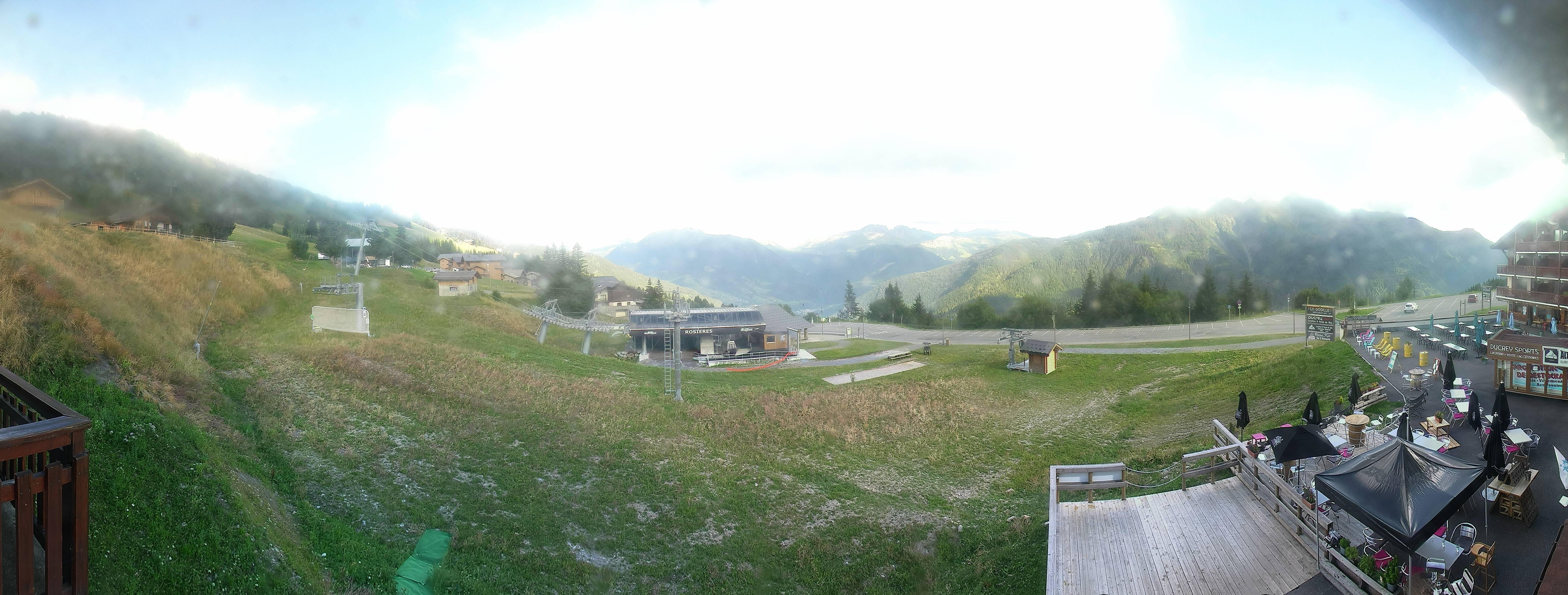 Vue depuis Bisanne 1500, les Rosières (altitude 1500 m) : La piste du Planay