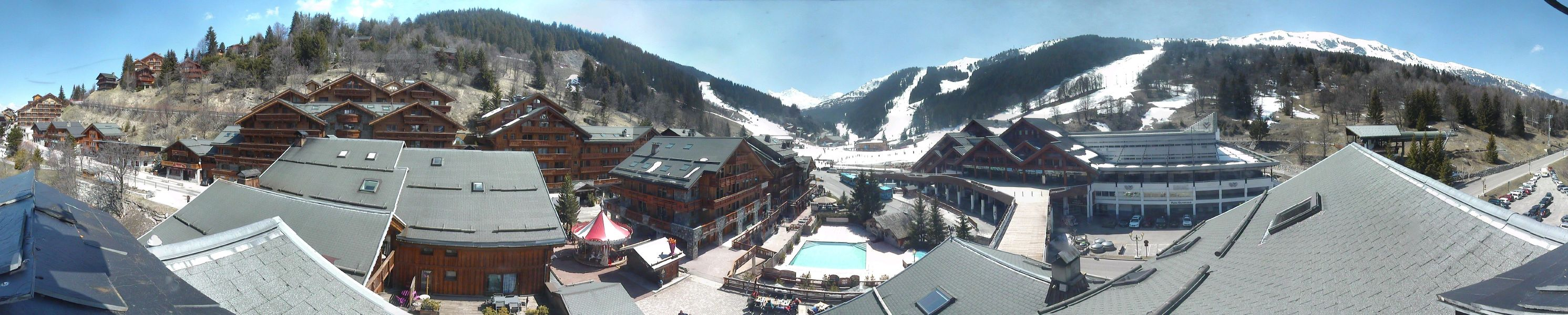 This Webcam overlooks the Village Centre towards the Chaudanne, the main lift station in Meribel