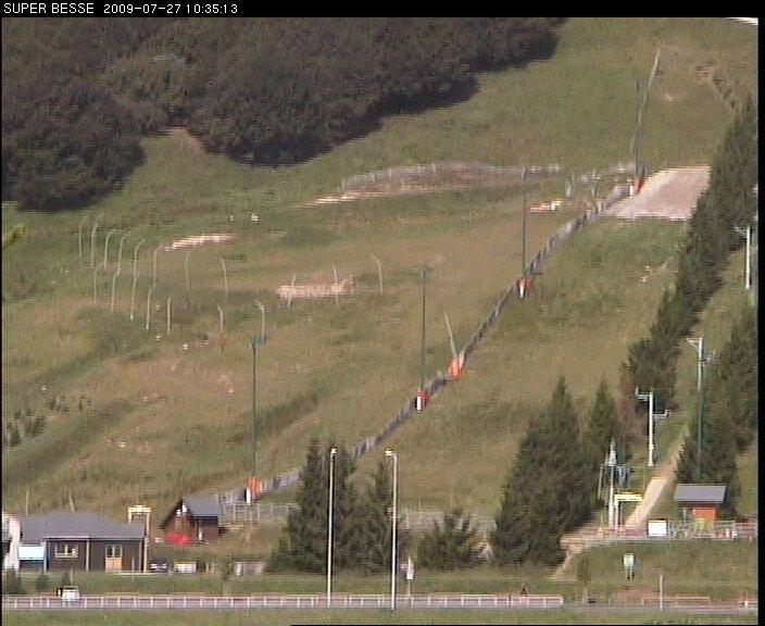 Auvergne webcam Super Besse