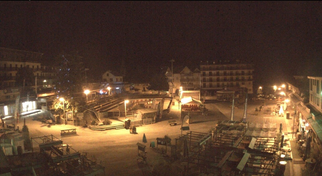 Webcam Auron village