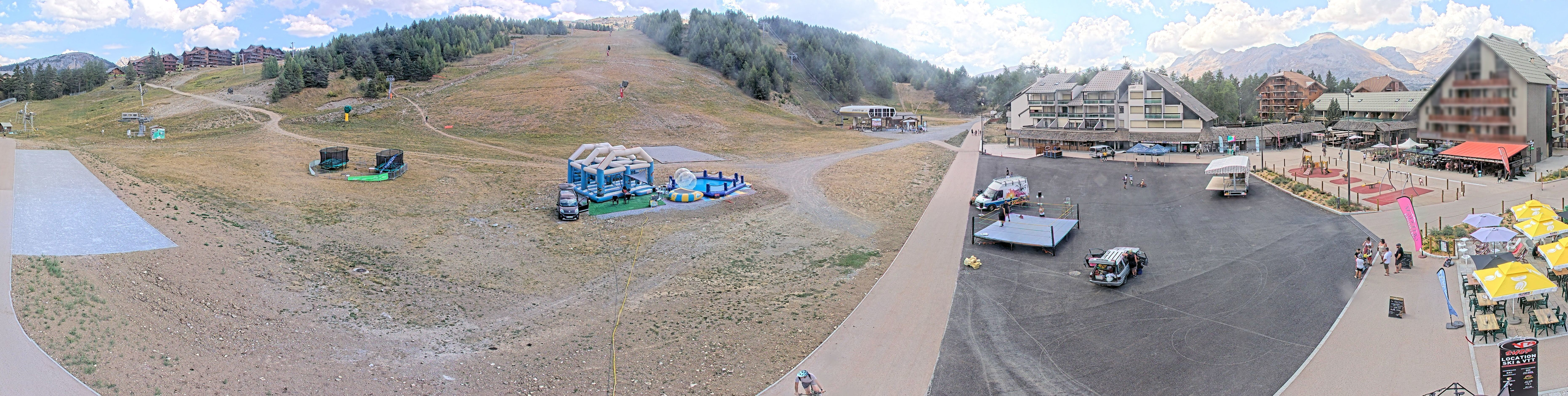 SuperDevoluy webcam panorama - Arrival of the Jas Chairlift